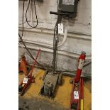 Air over Hydraulic Truck Jack