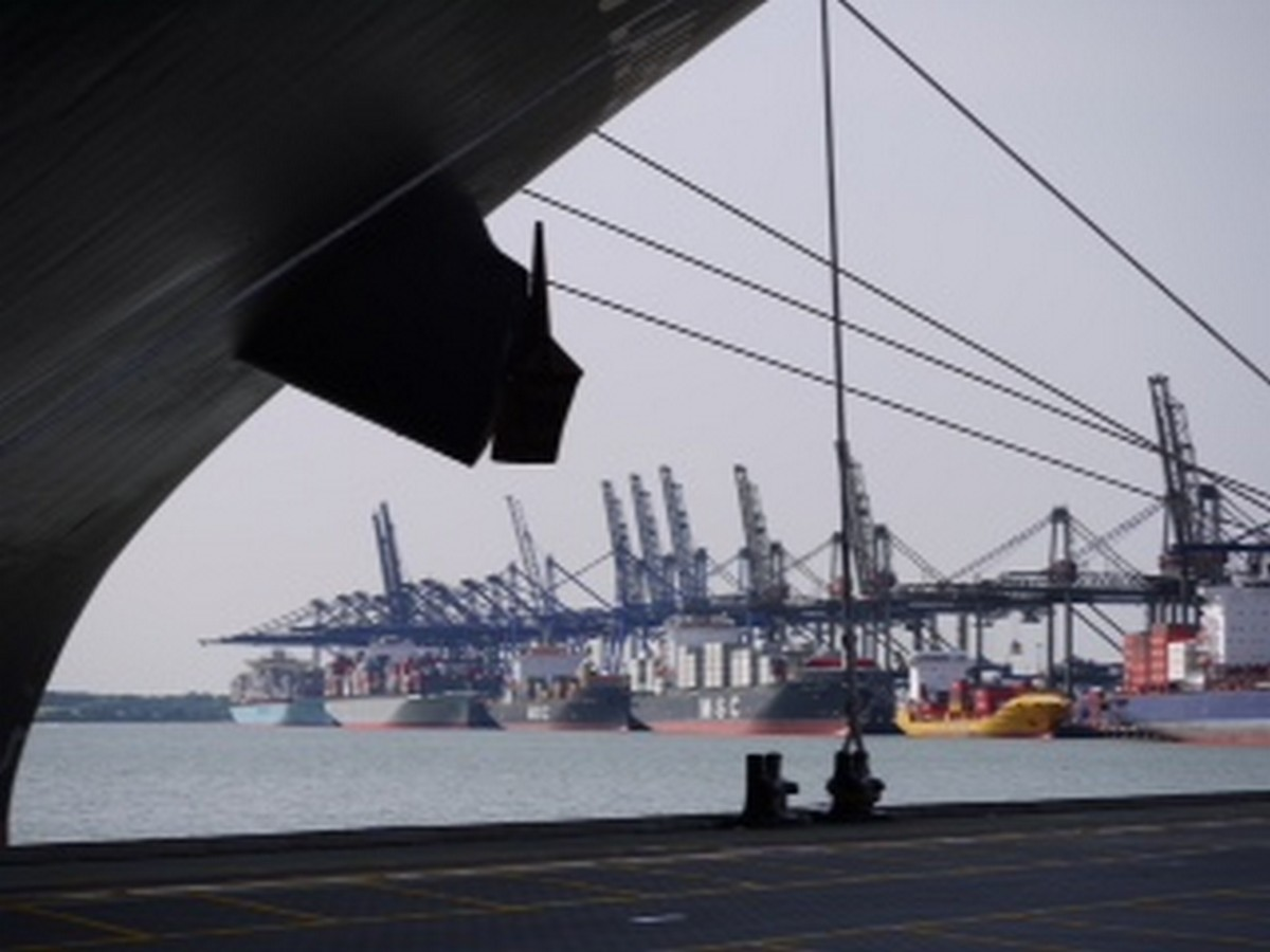Port of Felixstowe tour     - An exclusive `behind the scenes` tour of the Port of Felixstowe for