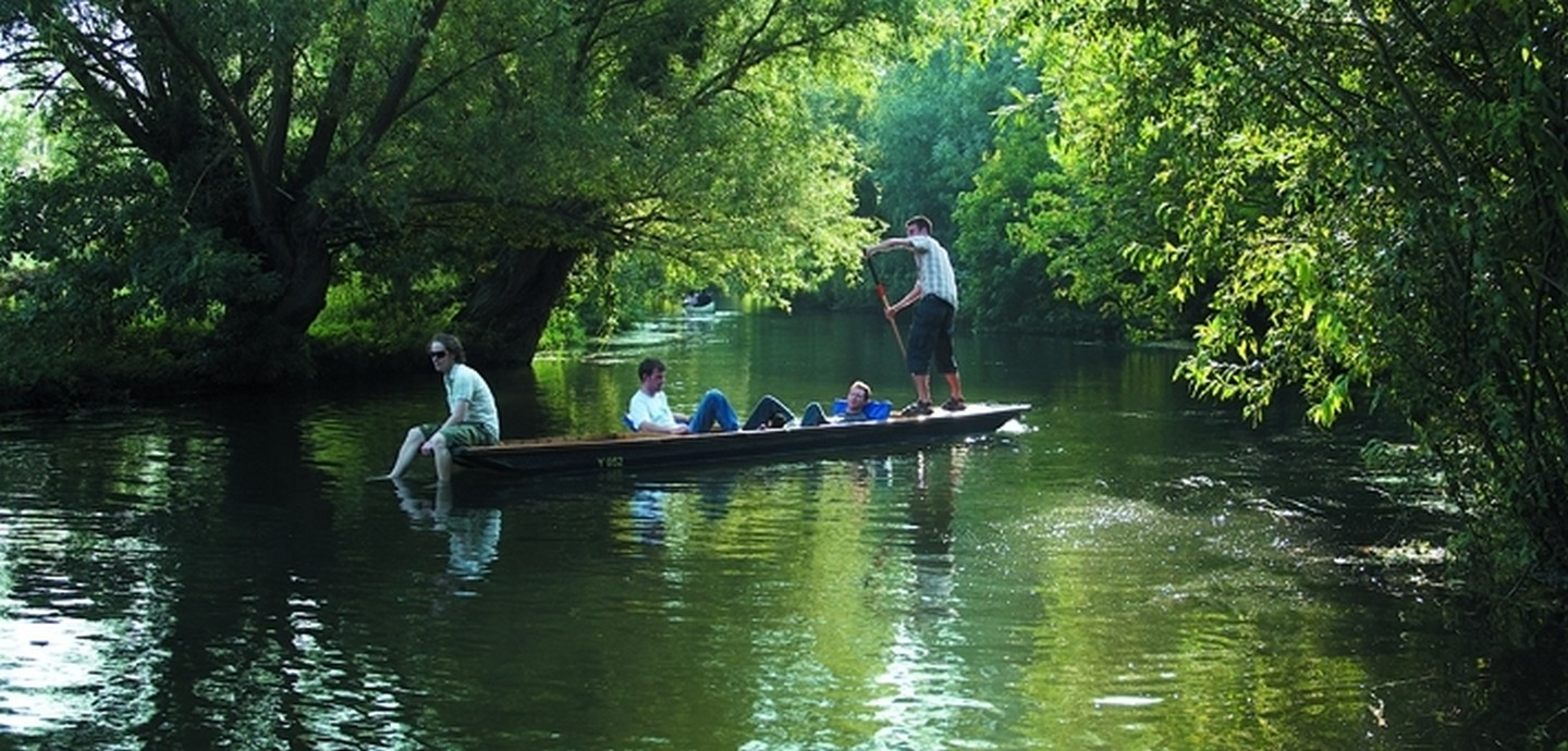 Punting on the Cam            - An all day Scudamore`s Punt hire for six, with cream teas at the