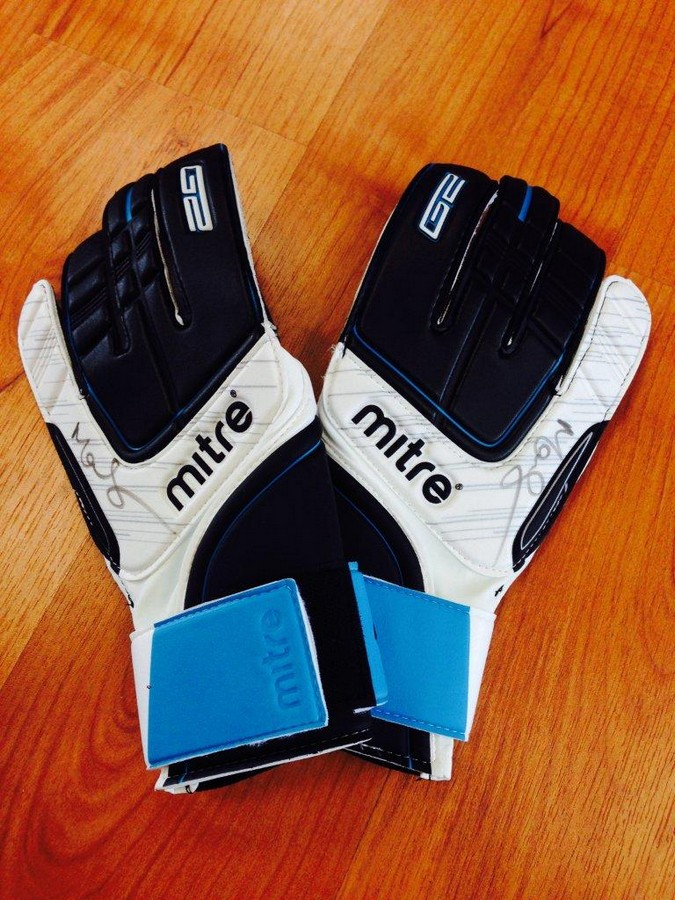 Signed Chelsea Gloves       - signed by Mark Schwarzer  Mitre is pleased donate this truly unique