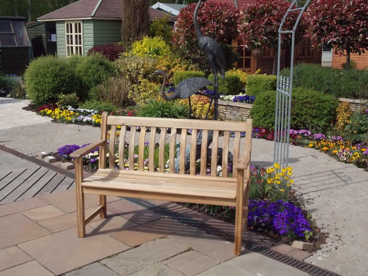 Scotsdales hardwood 4ft bench - perfect for putting your feet up in the garden. This garden bench