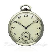 A GENTLEMAN`S 18K SOLID WHITE GOLD & ONYX POCKET WATCH CIRCA 1930s D: Silver dial with applied