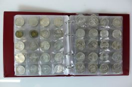 Reserve: 300 EUR        Münzalbum mit 112 div. 10 Euro-Münzen;