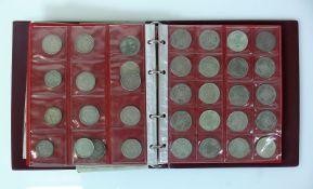 Reserve: 1700 EUR        Münzalbum mit 2 Krügerrand-Goldmünzen 1974 bzw. 1977 jeweils 10Z; sowie 5