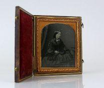 Reserve: 80 EUR        Daguerreotypie (England, um 1830) Darstellung einer sitzenden Frau in