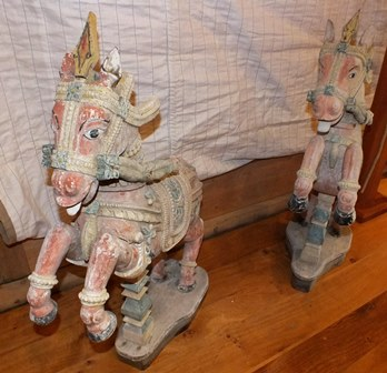 A pair of 19th century Indian carved wood rearing horses, polychrome painted on a white ground, with - Image 15 of 16