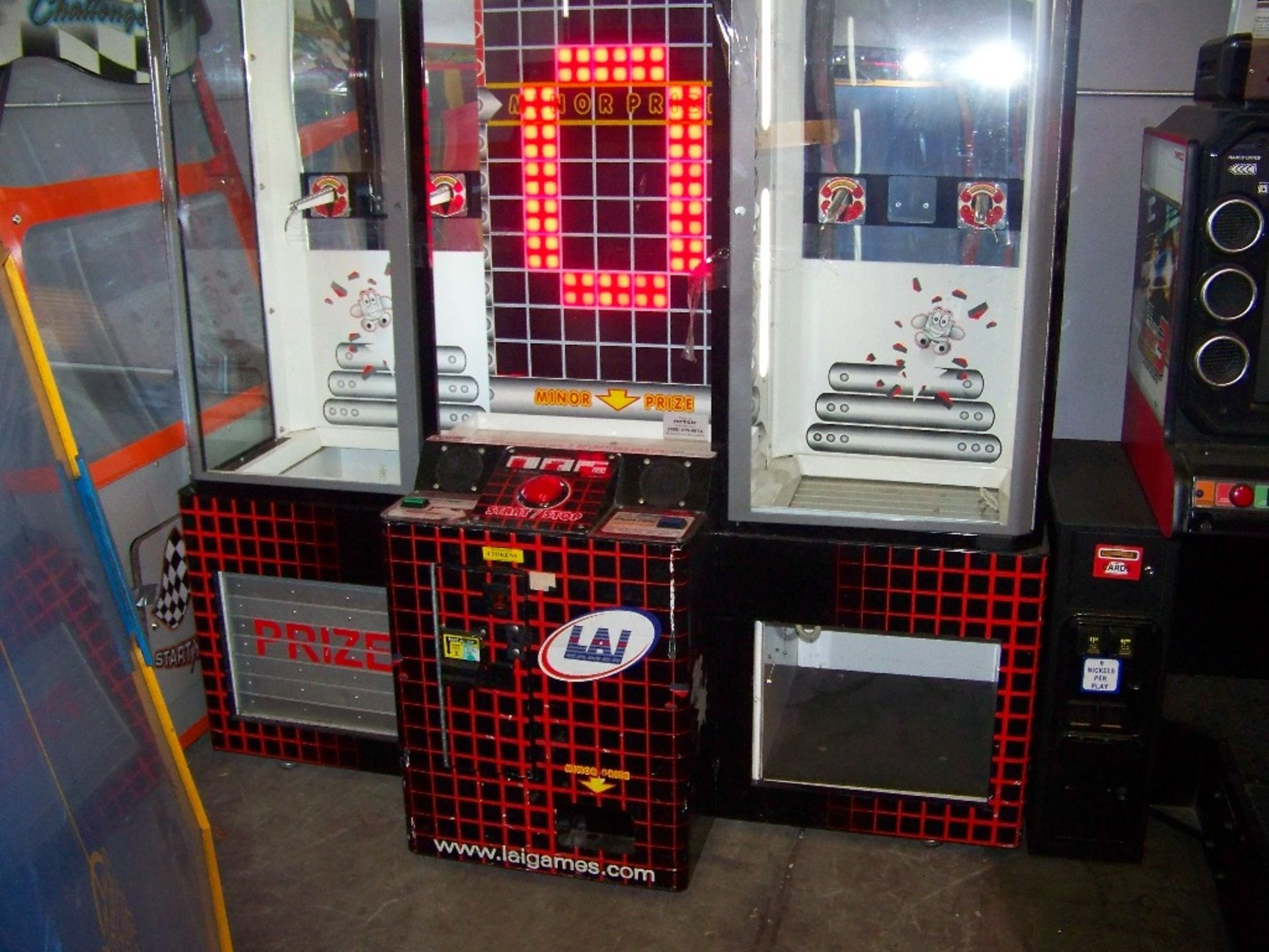 STACKER GIANT PRIZE REDEMPTION GAME LAI GAMES - Image 2 of 4
