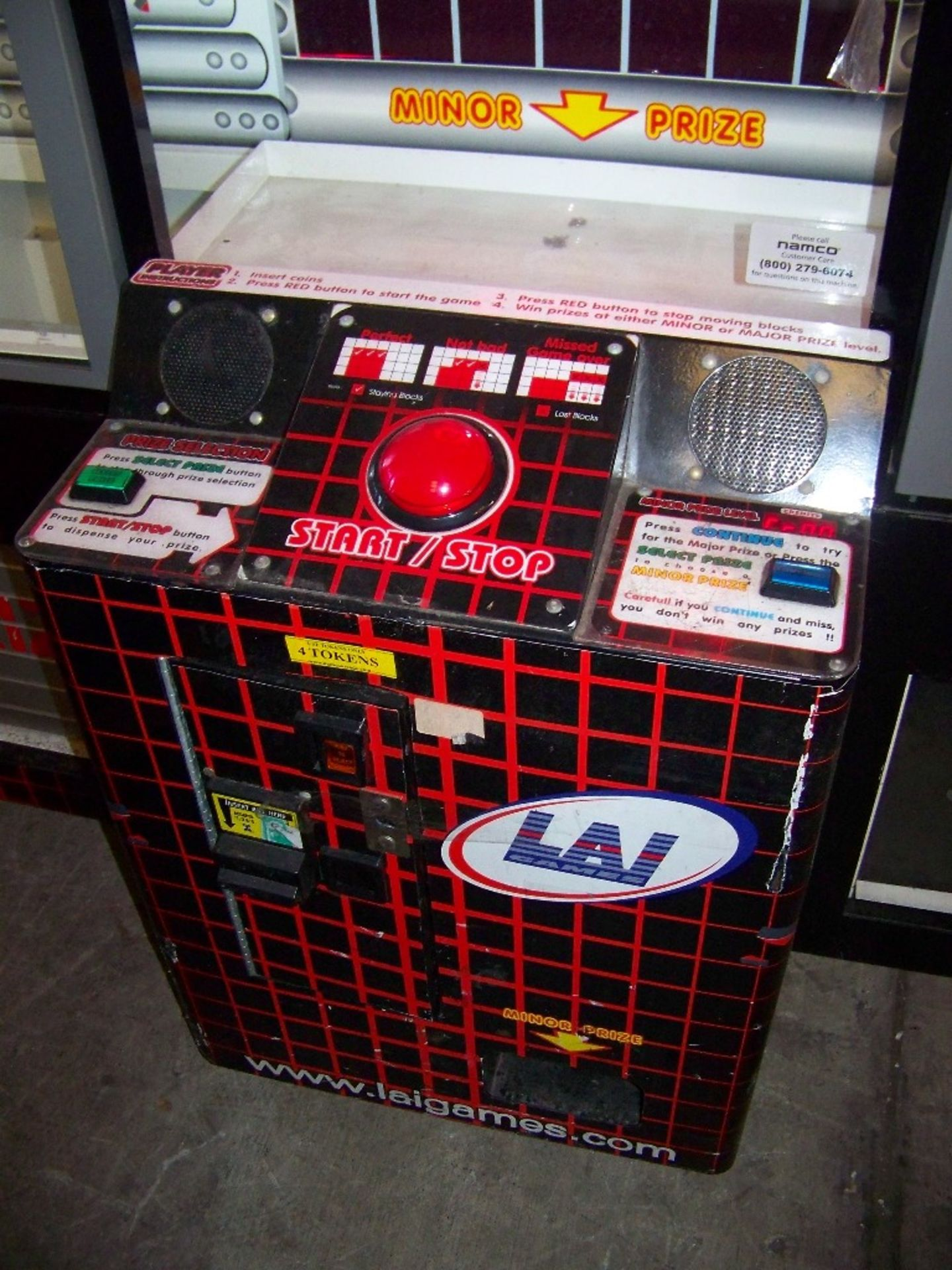 STACKER GIANT PRIZE REDEMPTION GAME LAI GAMES - Image 4 of 4