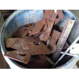 LOT OF METAL SCRAP (in one barrel)