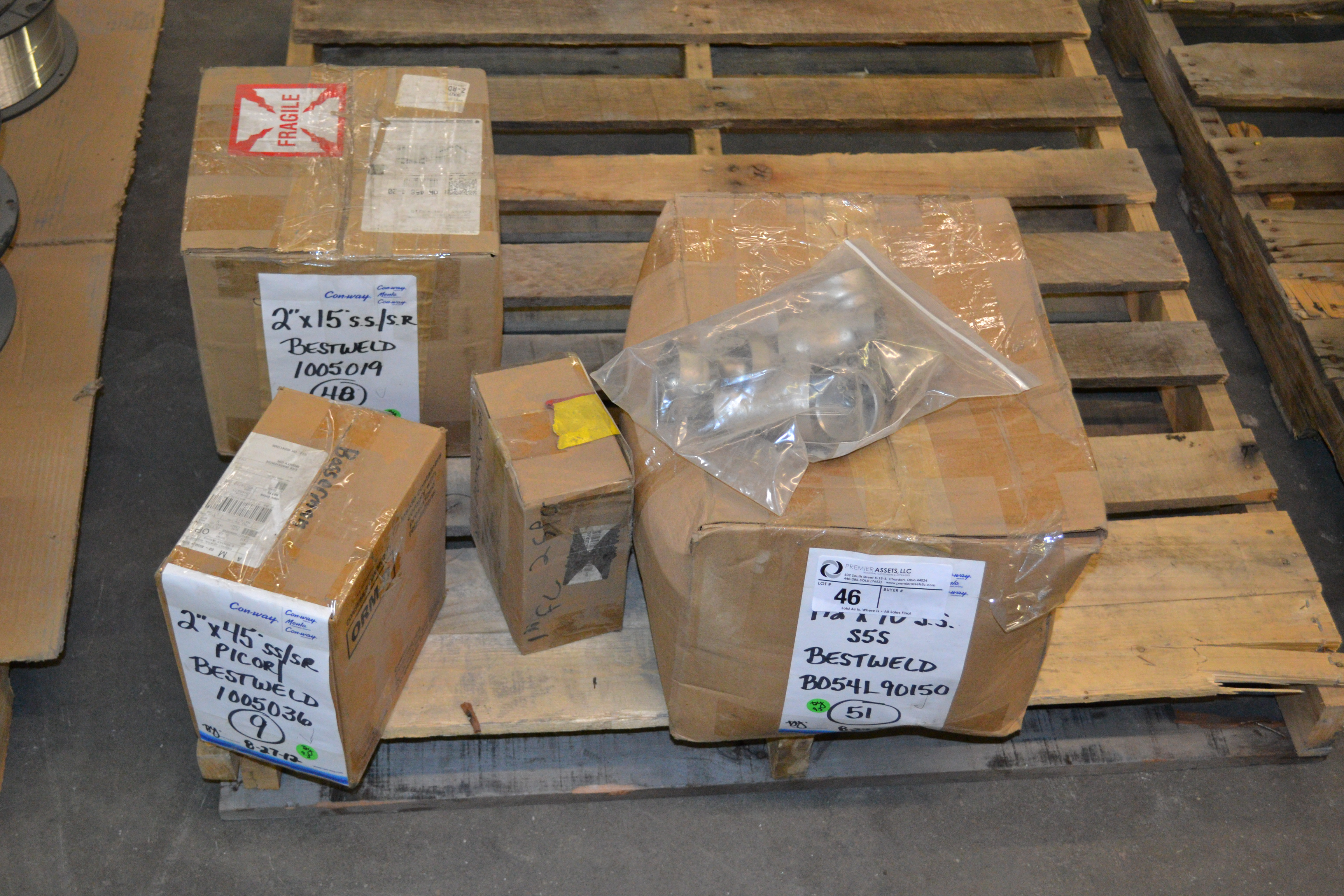 """Lot 46 - skid with boxes of Bestweld SS/SR fittings, 2"""" x 15*, 2 x 45* & 1.5"""" x 90*"""