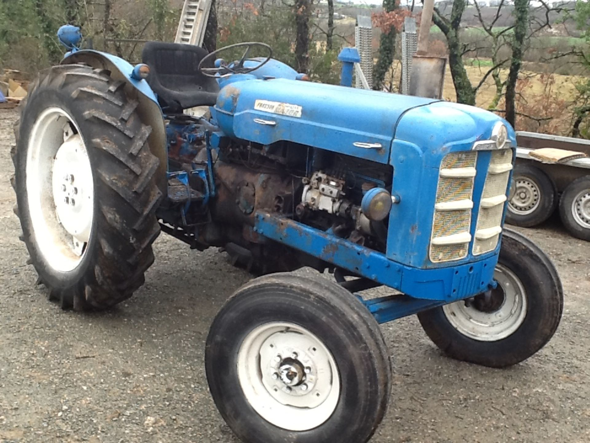 1964 FORDSON Super Major 4cylinder diesel TRACTOR Serial No. 08D954183 This New Performance is - Image 2 of 2