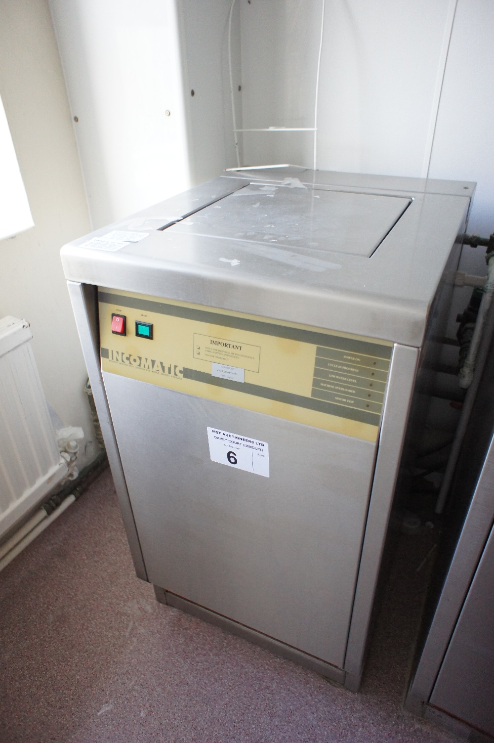 Lot 6 - 1 INCOMATIC stainless steel commercial macerator/sluice machine (located in room 2, Davey Court)