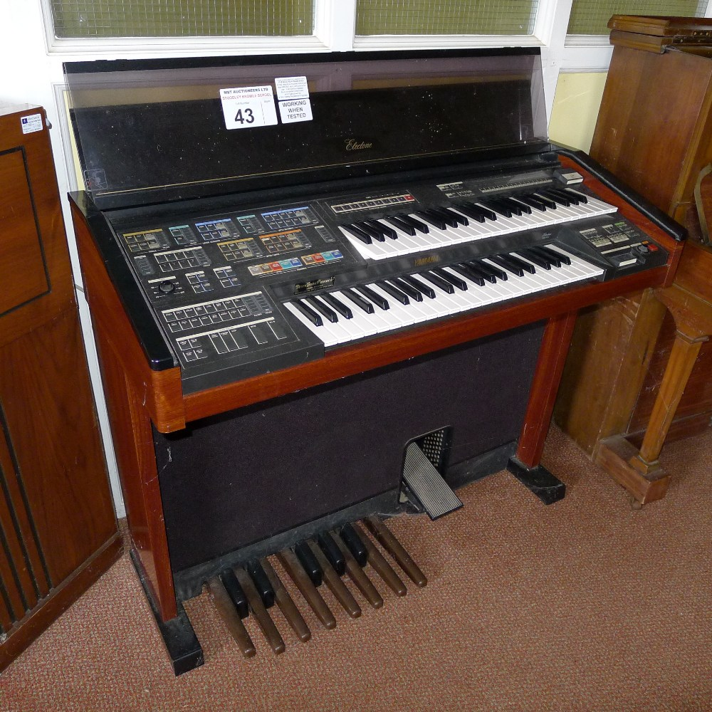 Lot 43 - 1 YAMAHA Electone MC-600 double keyboard electric organ (located in nursery area)