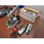 [Lot] Assorted ph meters, includes Eutech ph 700, Comark KM7000, Senz pH Pro, Extech pH 100 L O £5