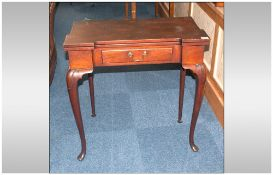 Late 19th/Early 20th Century Games Table Fold Over Top With Green Base. Single Frieze Drawer. Raised