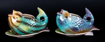 Shorter & Sons Pair Of Unusual Fish Sauce Boats & Stands, Circa 1930's. 4'' in height, 6'' in