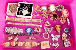 A Large Vintage Collection Of Stone Set Costume Jewellery. Over 25 pieces.