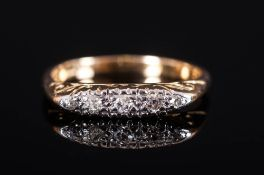 18ct Gold Set 5 Stone Diamond Ring Marked 18ct. 4 grams.
