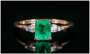 Ladies 14ct Gold Set Emerald & Diamond Ring The Natural Emerald Of Good Colour, Est Weight 1.02cts..