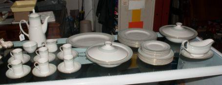 Royal Doulton Dinner Service TC 1021 'Berkshire' comprising 6 dinner plates, 6 side plates, 6 larger