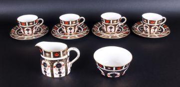 Royal Crown Derby Imari Patterned 14 Piece Tea Service. Comprises 4 Trios, 1 Milk Jug and 1 Sugar