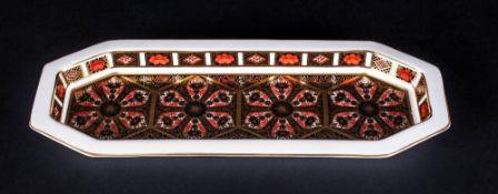 Royal Crown Derby Elongated Octagonal Pin Tray, 'Old Imari', 1128 pattern, date code LVIII; 9.5