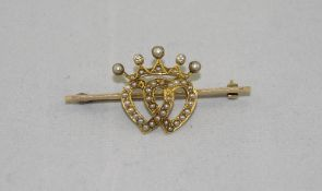 Victorian 15ct Gold Diamond And Pearl Barbrooch, With Central Twin Entwined Hearts Set With Split