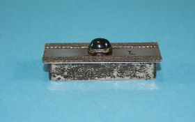 Israeli Silver Pill Box, The Hinged Lid Set With Green Cabochon Stone Between 2 Applied Rope Twist