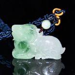 冰種翡翠雕羊形項飾 Glass Jadeite Carved Recumbent Sheep-form Pendant Necklace. Length: 1¾ in ( 4.4 cm)