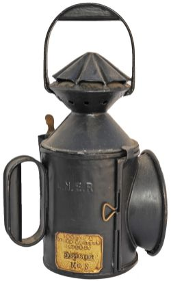 LNER 3 aspect Handlamp NER single piecrust pattern, in restored condition, complete with all