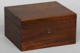 A walnut humidor Of typical form.  24.5 cm wide. CONDITION REPORTS: Generally in good condition,
