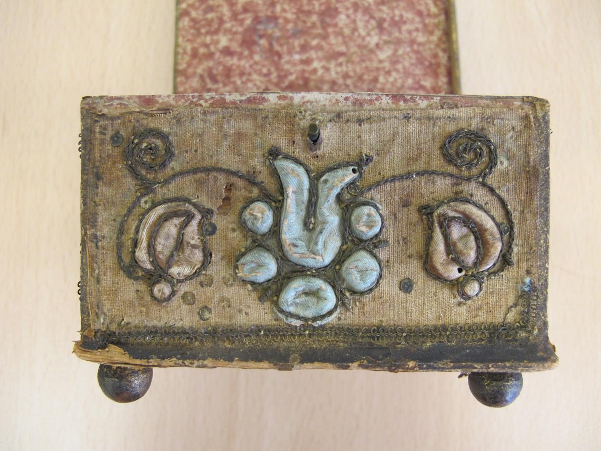 A stumpwork casket, decorated with satin flowers with metal thread scrolls, with a paper lined - Image 4 of 8