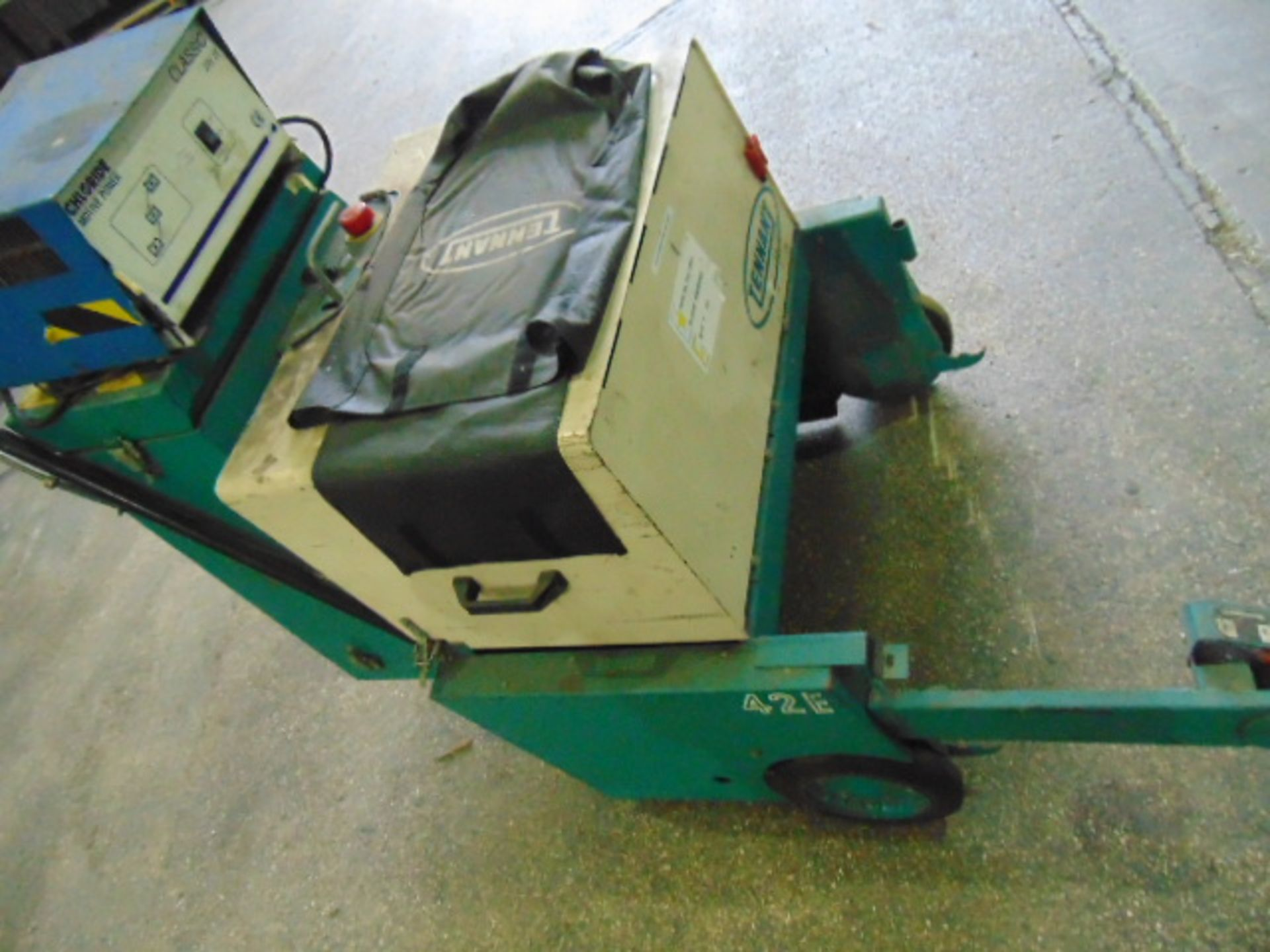 Lot 27334 - Tennant 42E Walk Behind Electric Sweeper C/W Charger