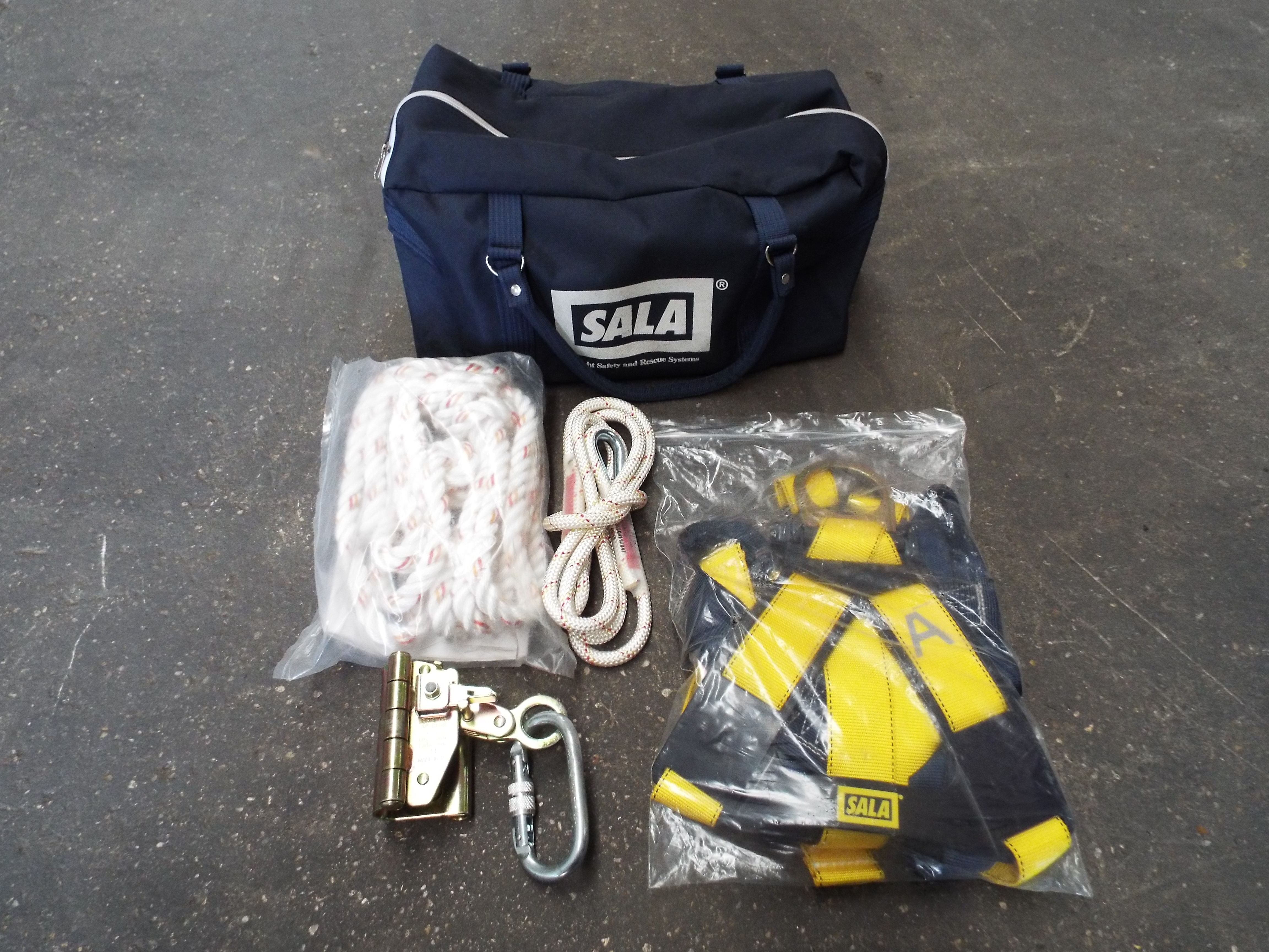 You Are Bidding On Direct From The Uk Ministry Of Defence A Sala Safety Harness Kit Lot 15334