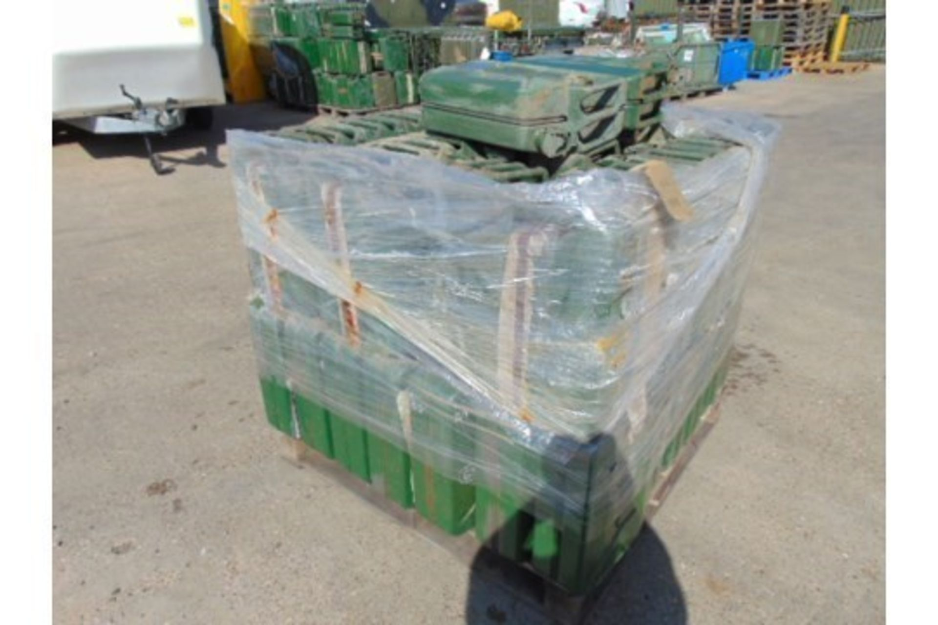 Lot 27340 - 50 x Unissued NATO Issue 20L Jerry Cans