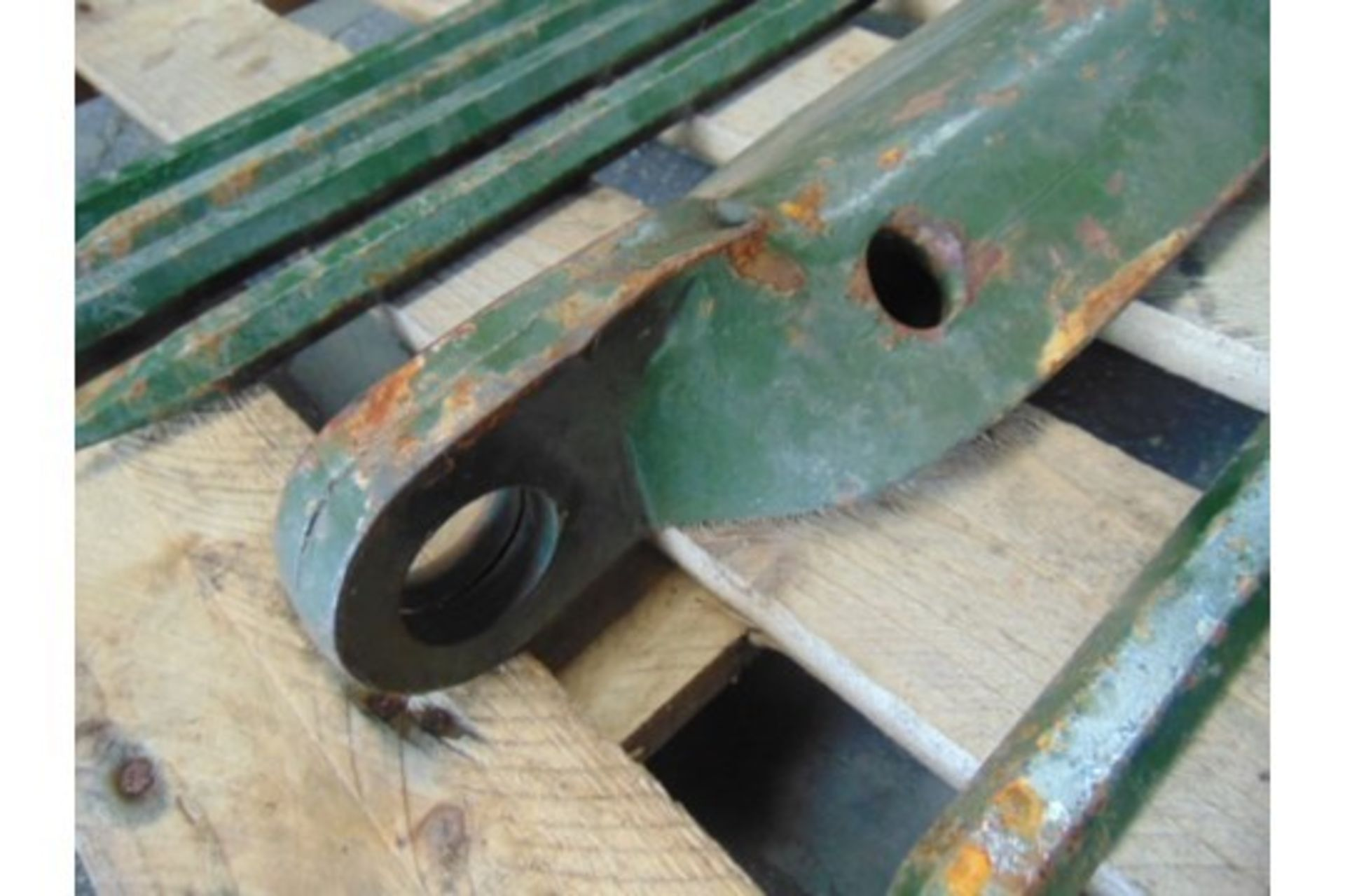 Lot 27223 - Heavy Duty Military Recovery Ground Anchor C/W 8 x Pins