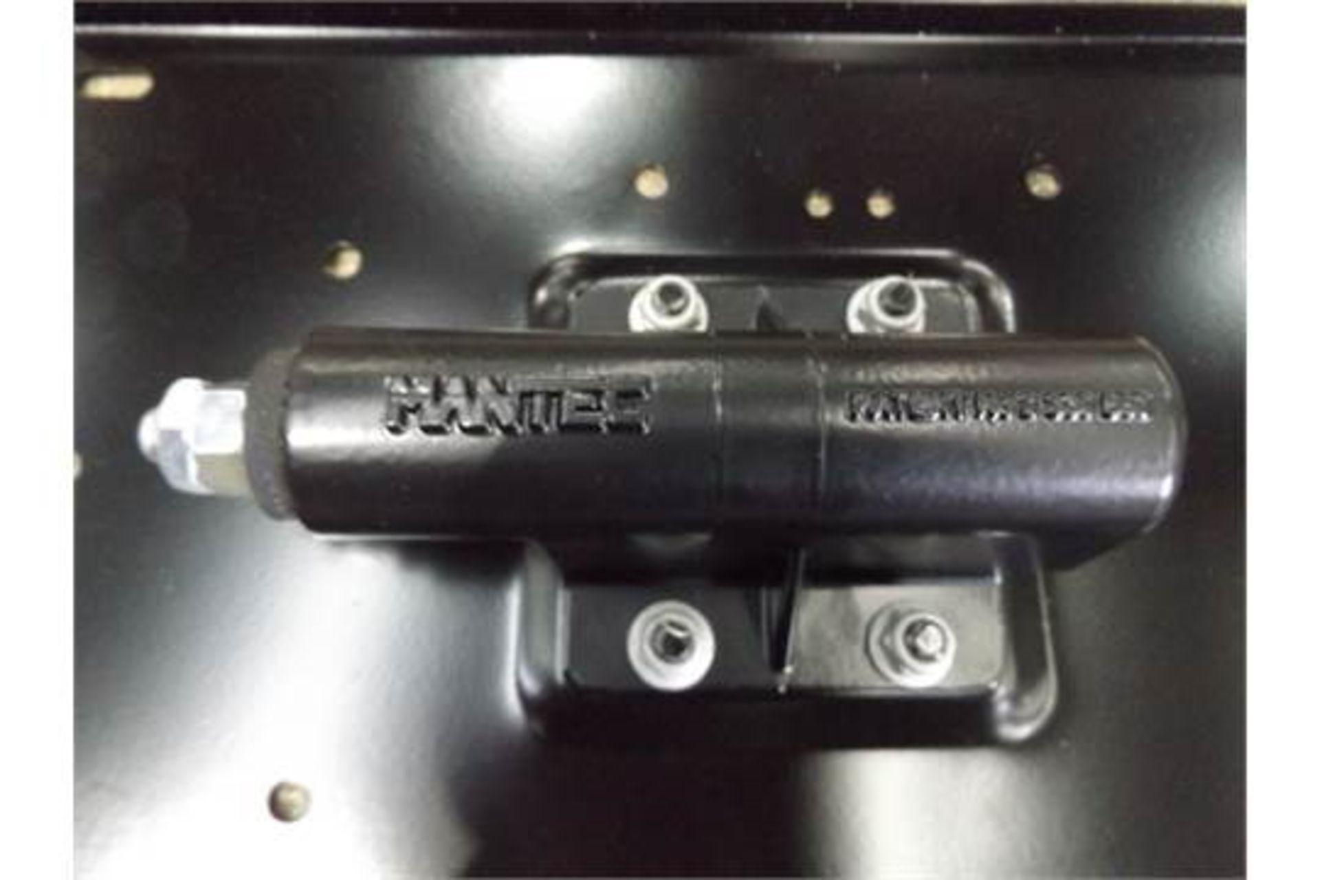 Lot 27246 - Land Rover Swing Out Spare Wheel Carrier Kit VPLDR0130
