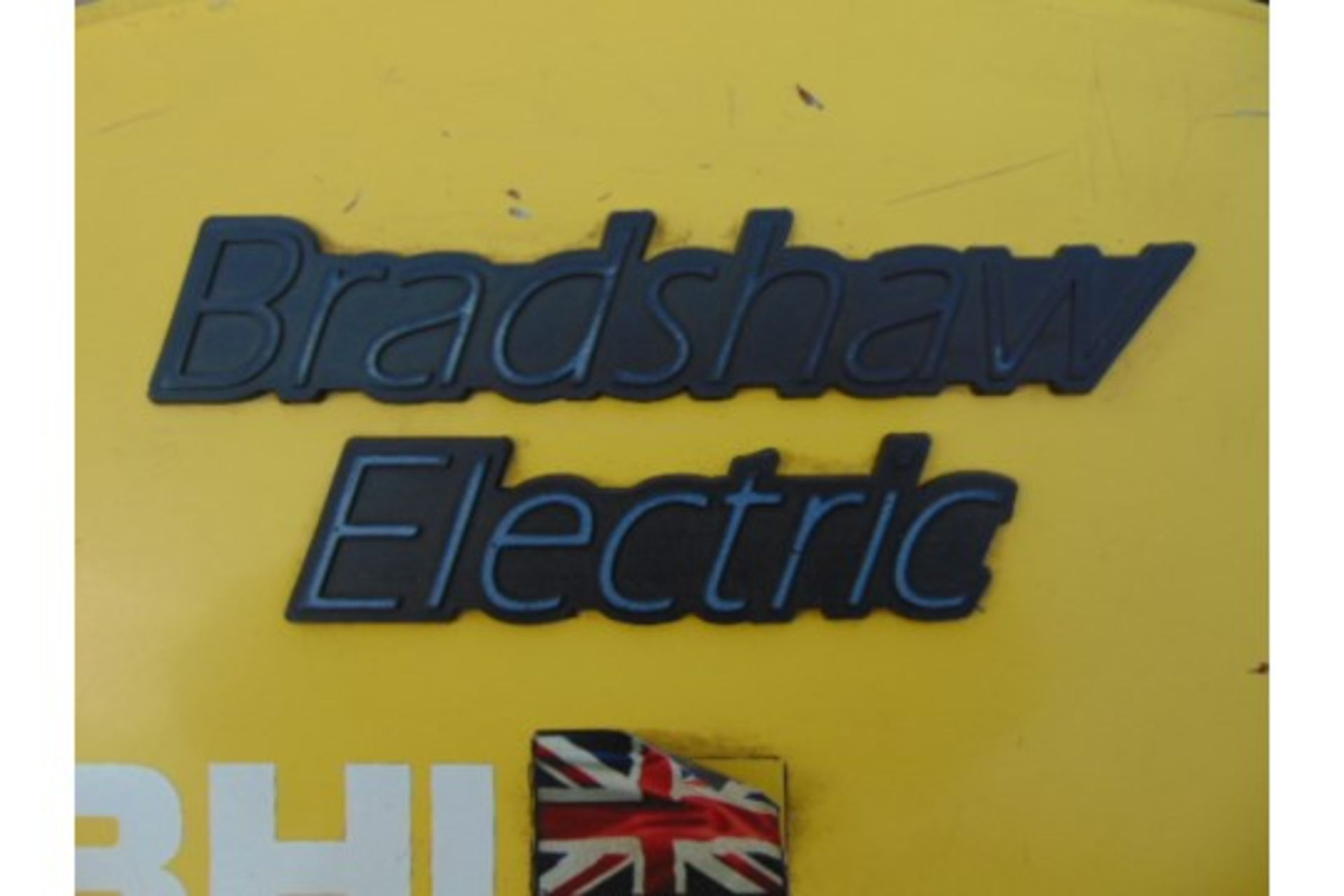 Lot 25853 - 2010 Bradshaw T5 5000Kg Electric Tow Tractor c/w Battery Charger