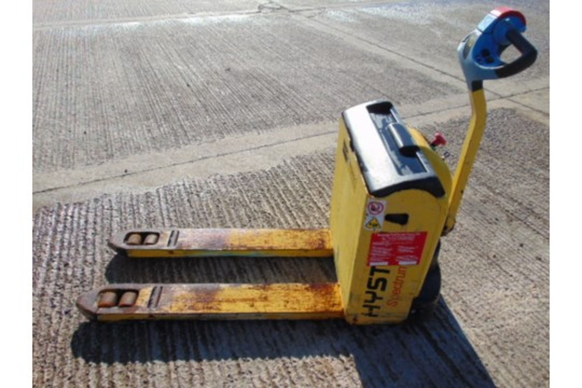 Lot 25873 - Hyster Spectrum P1.6 Self Propelled Electric Pallet Truck
