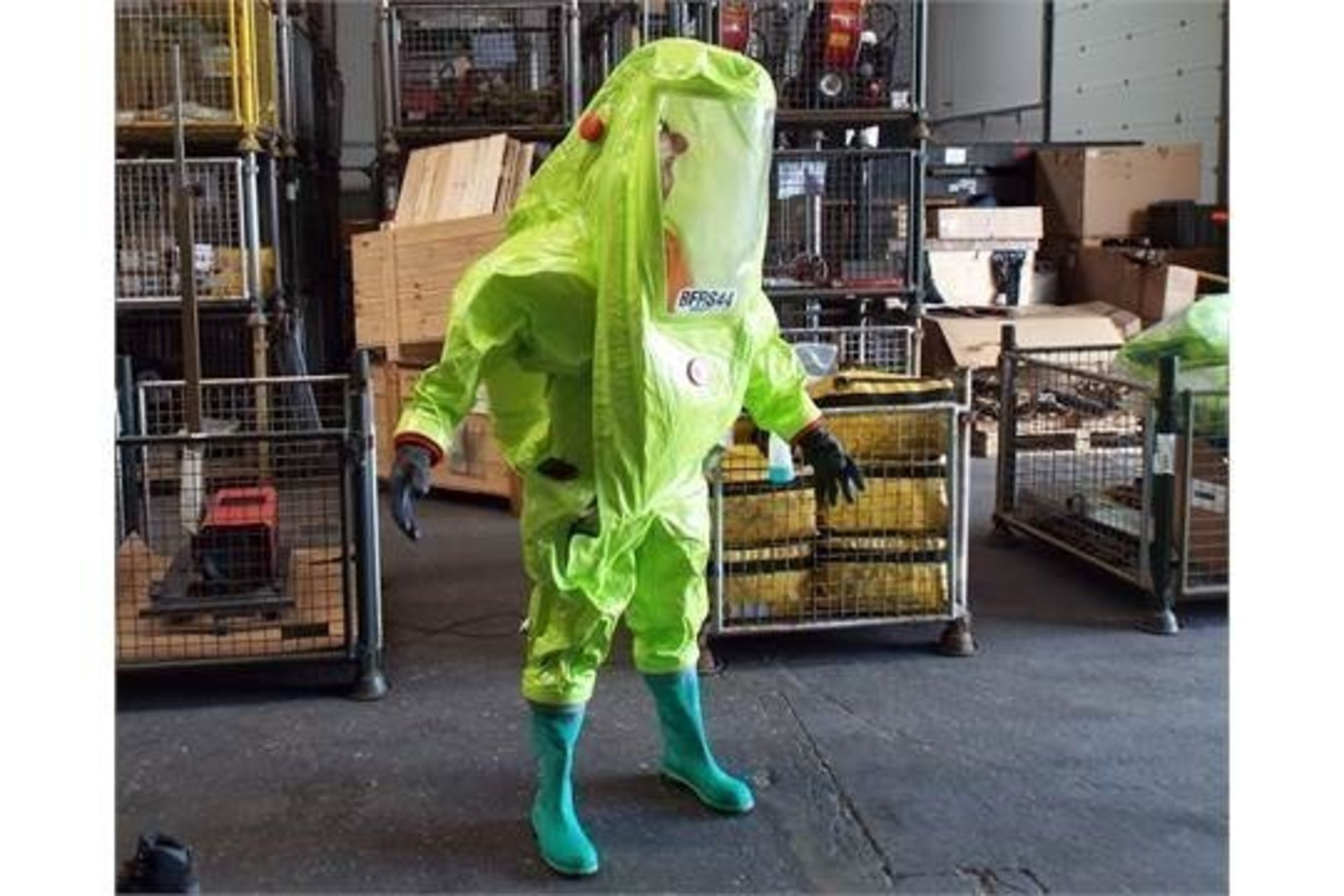 Lotto 26409 - Q10 x Unissued Respirex Tychem TK Gas-Tight Hazmat Suit Type 1A