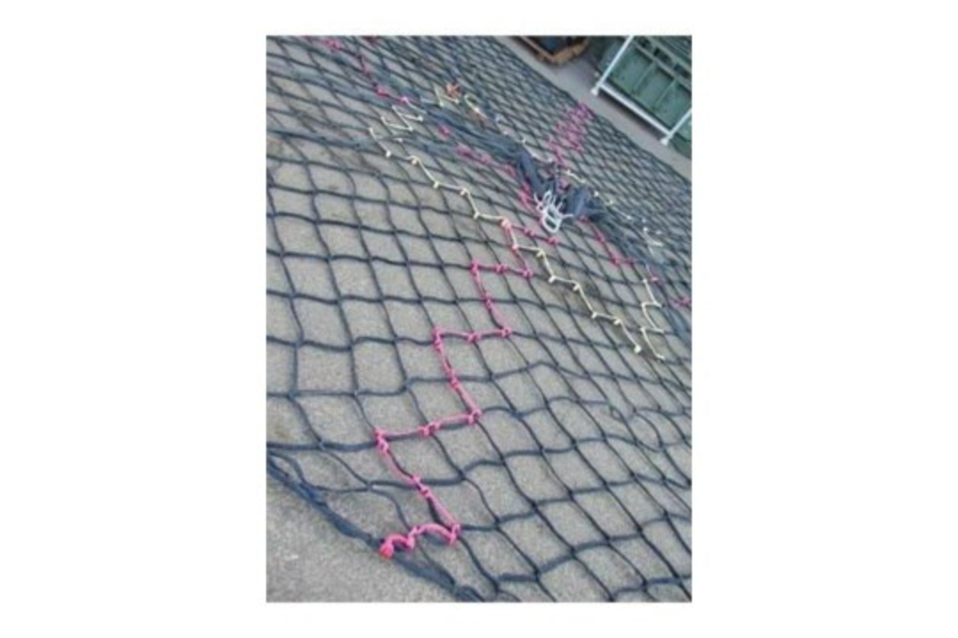 Lot 25852 - 5600Kg Helicopter Cargo Net