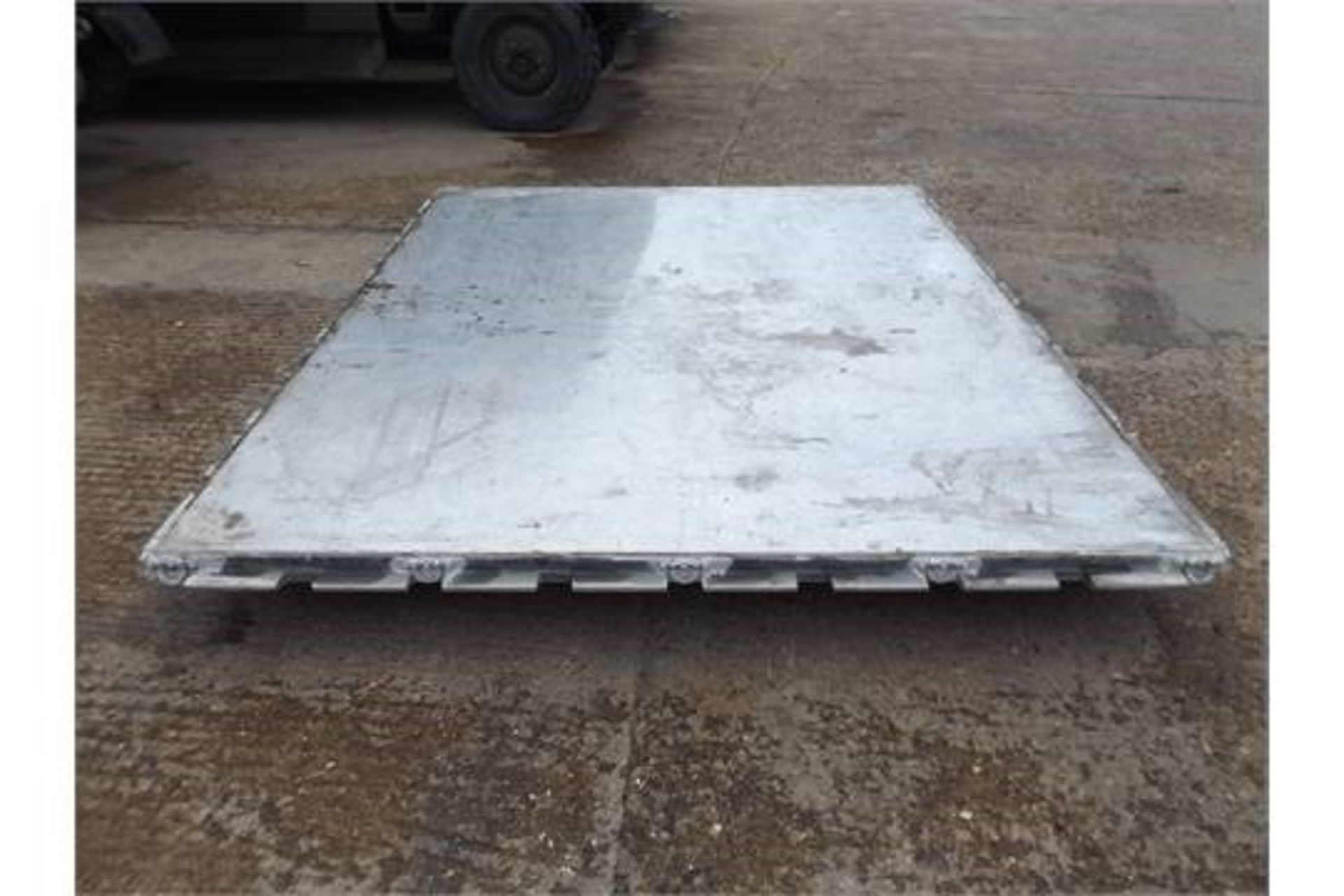 Lotto 26413 - AAR Mobility Systems HCU6/E Aircraft Cargo Loading Pallet