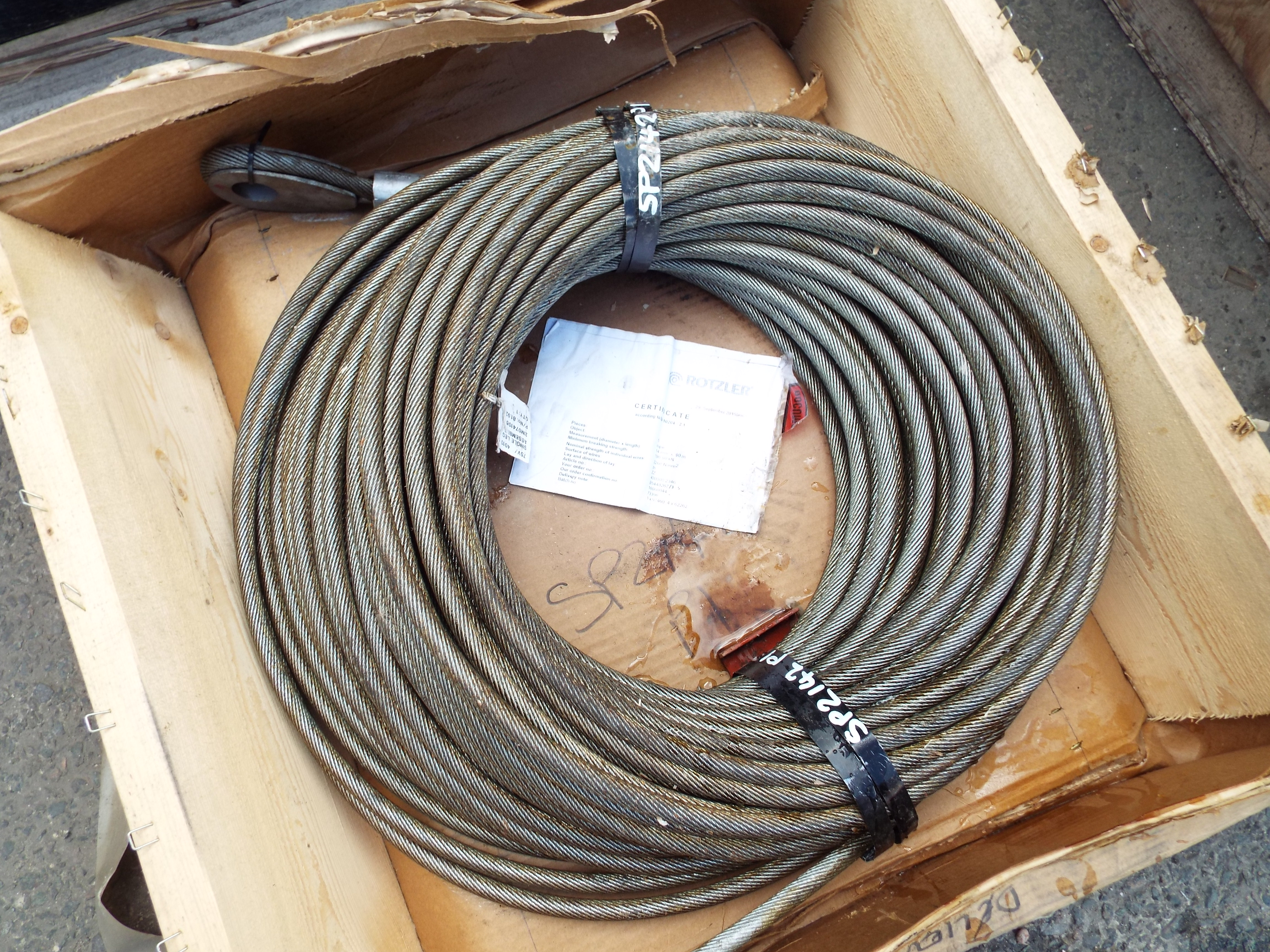 You are bidding on direct from the uk ministry of defence a heavy lot 16246 heavy duty 90mx14mm rotzlerman winch wire rope publicscrutiny Images