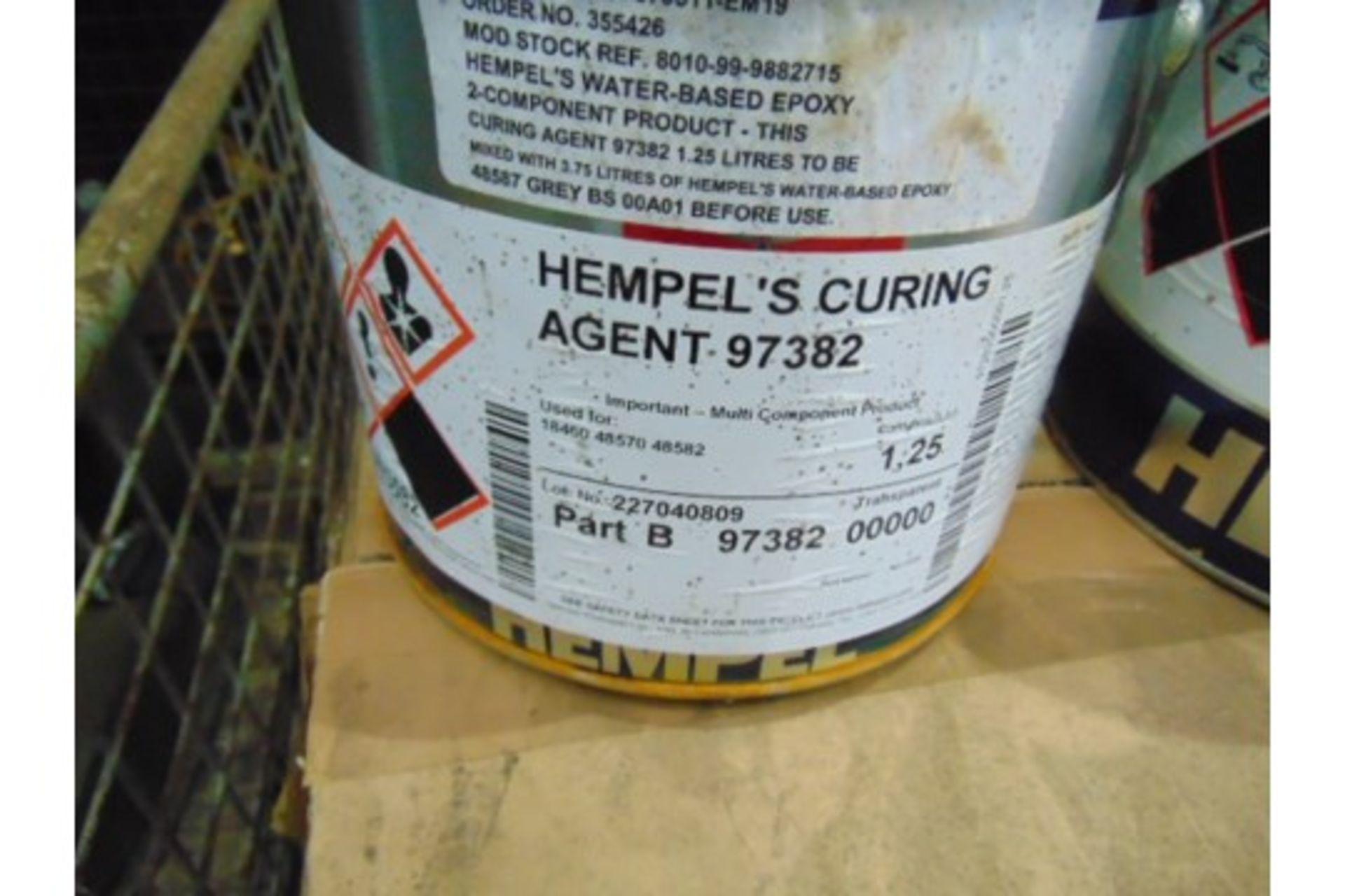 Lot 26611 - 3 x 5 Ltr Hempels Hempadur 48582 2-Part Paint