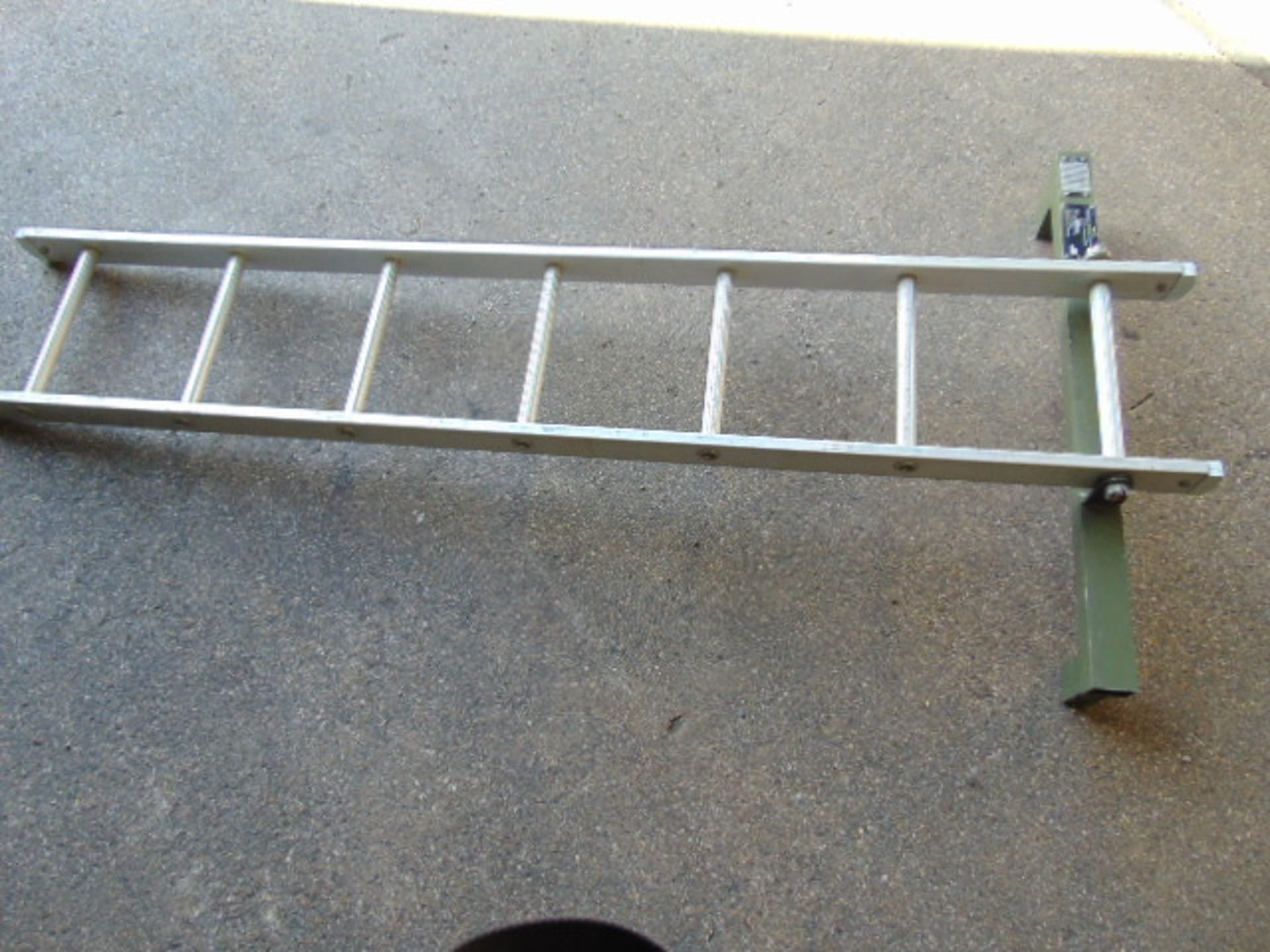 Lot 25824 - 1.8m Aluminium Ladder