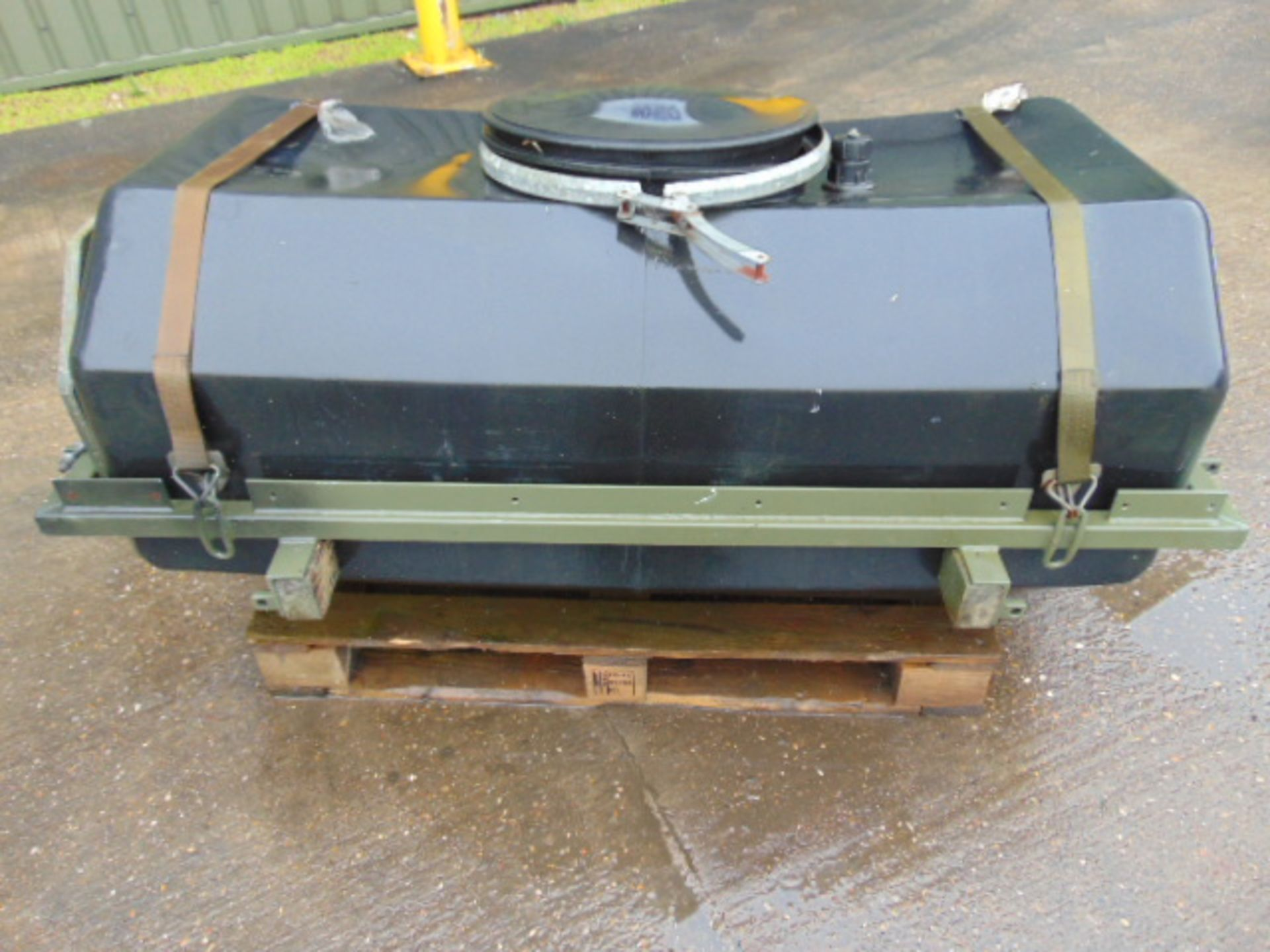 Lot 27356 - Trailer Mountable Water Tank with Frame