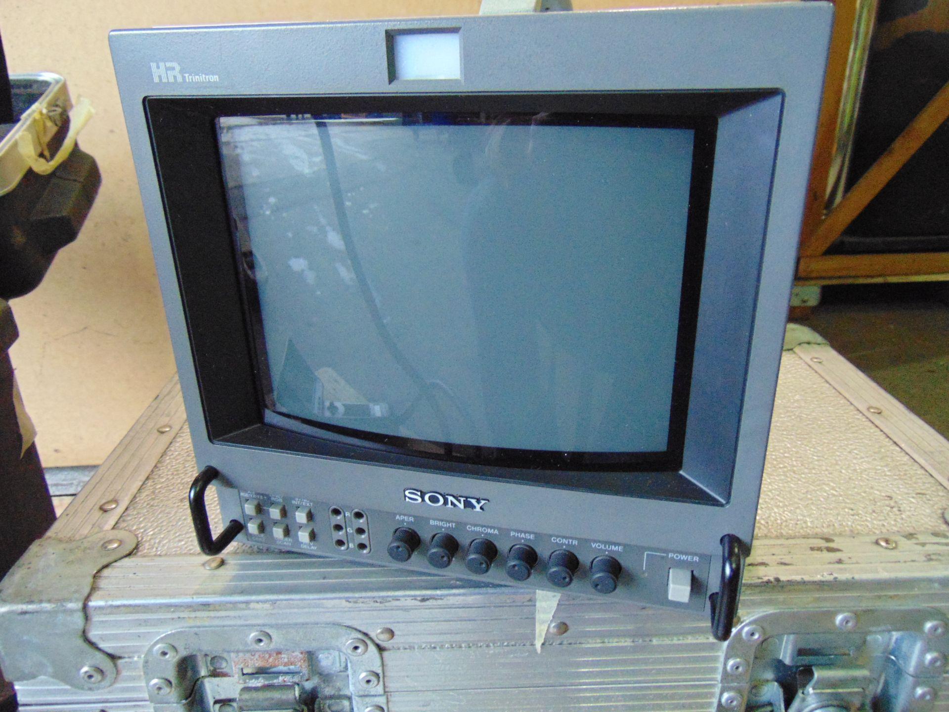 Lot 26825 - GE Everest Video Probe Borescope/Endoscope Kit XL240LSB with Sony PVM9044QM Colour Monitor