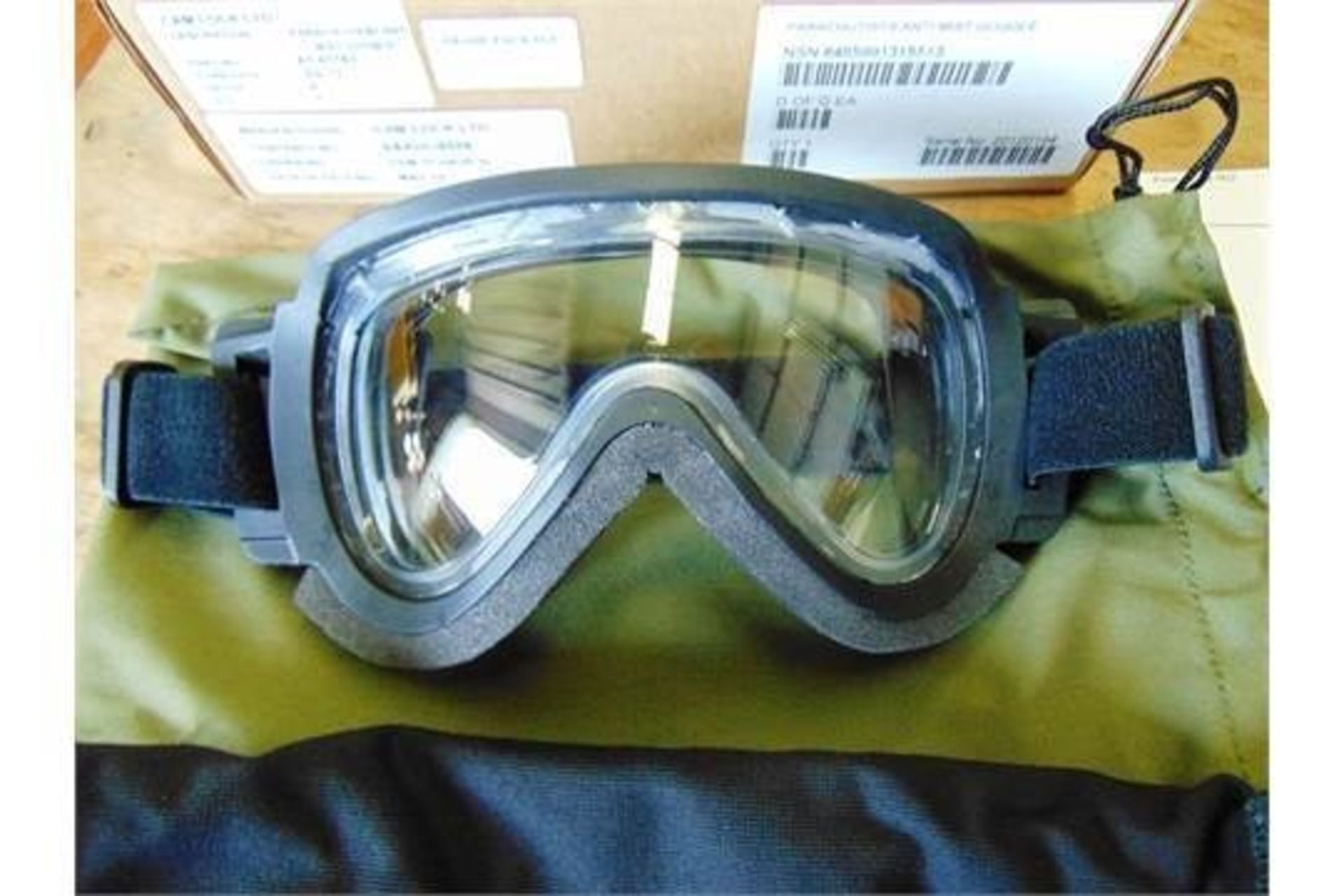 Lot 25875 - Cam Lock Anti Mist SAS HALO Parachute Skydiving Goggles
