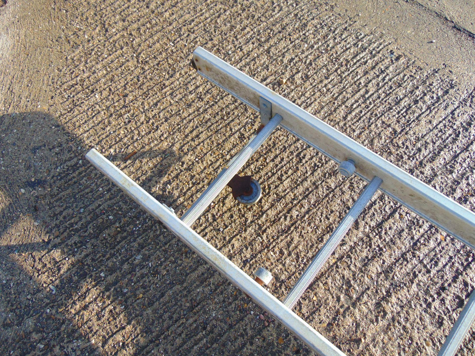 Lotto 26451 - 6.4 Metre Aluminium Ladder