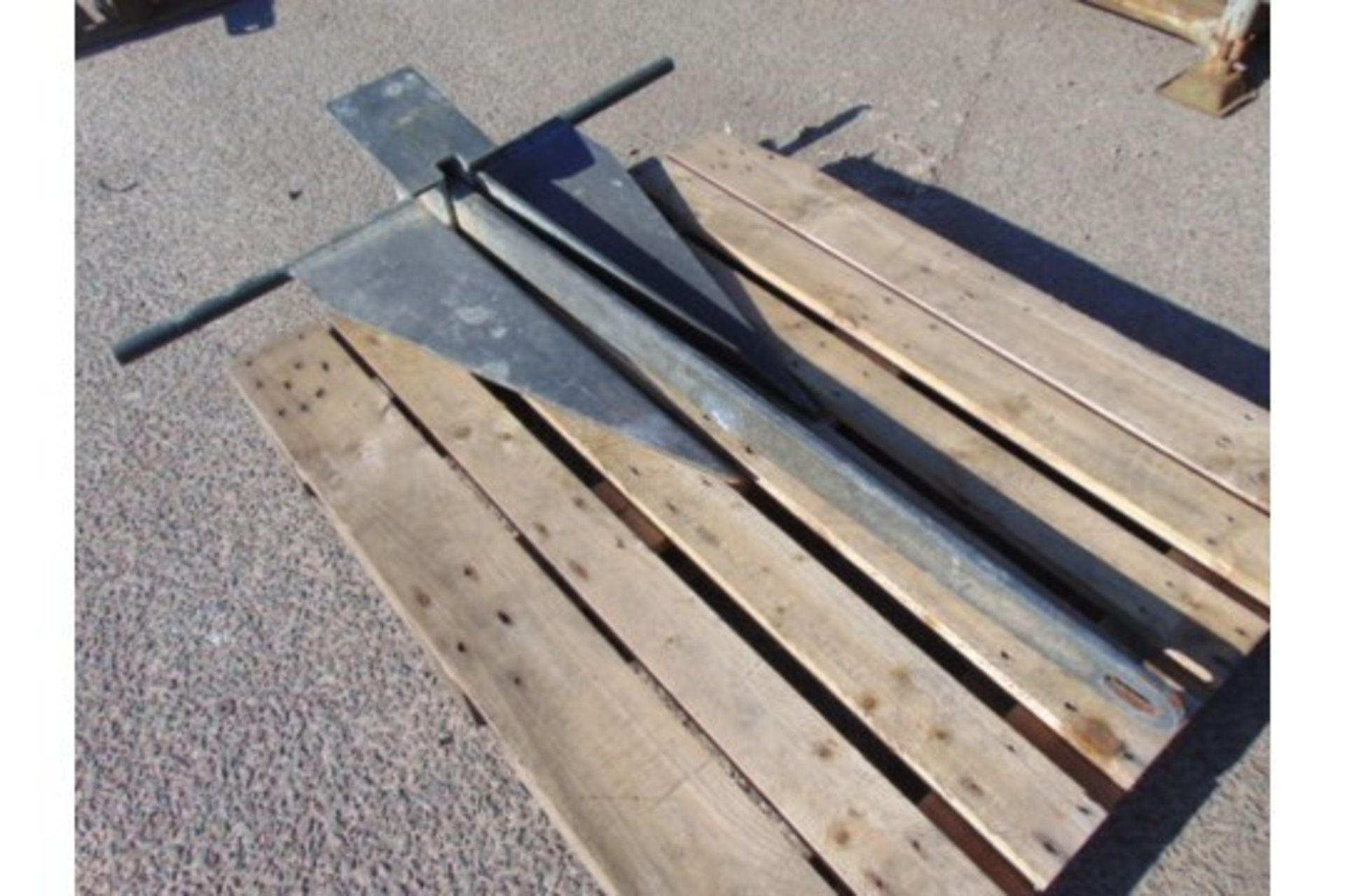 Lot 26794 - Heavy Duty 1.4m 60Kg Galvanised Marine Anchor